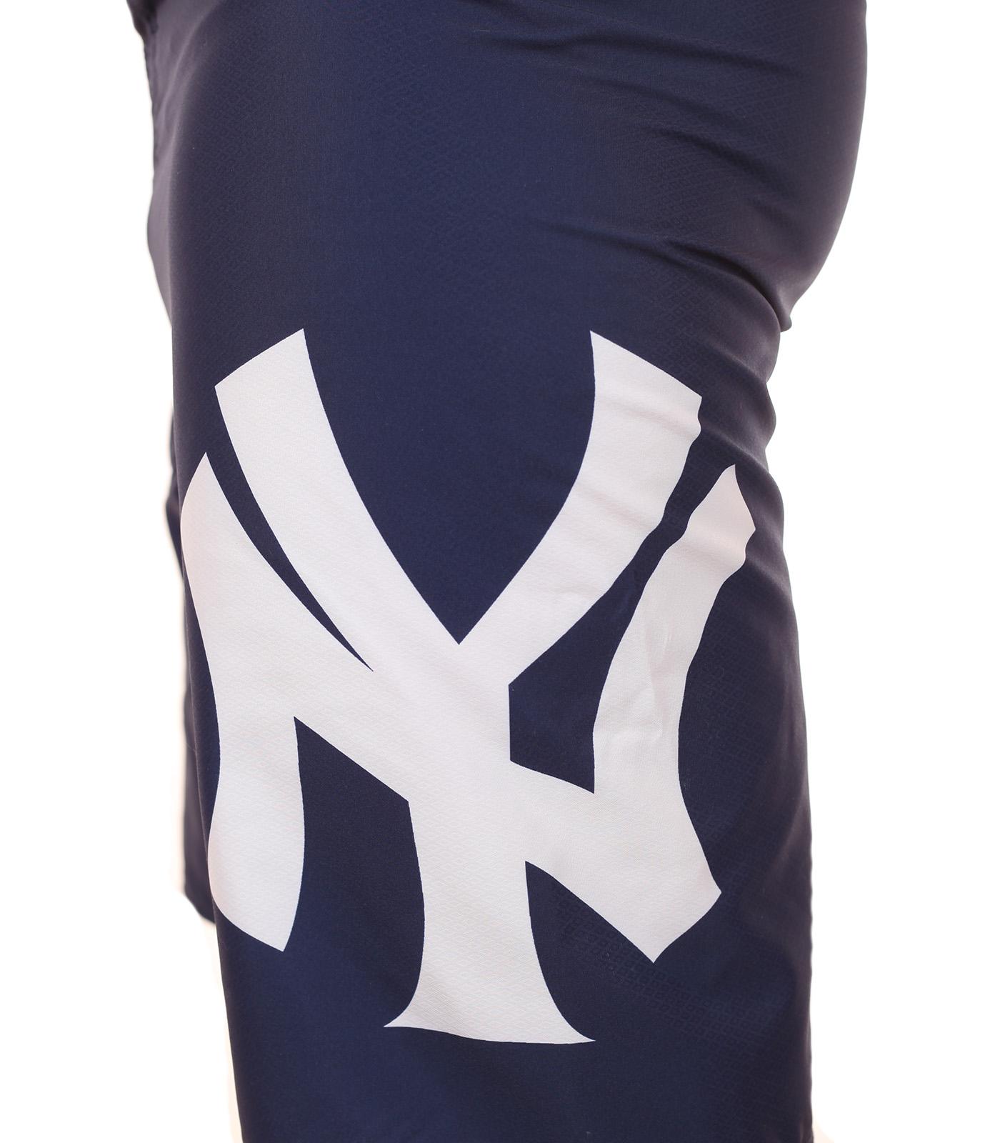 Топовые бордшорты с логотипом бейсбольного клуба MLB New York Yankees - вид сбоку