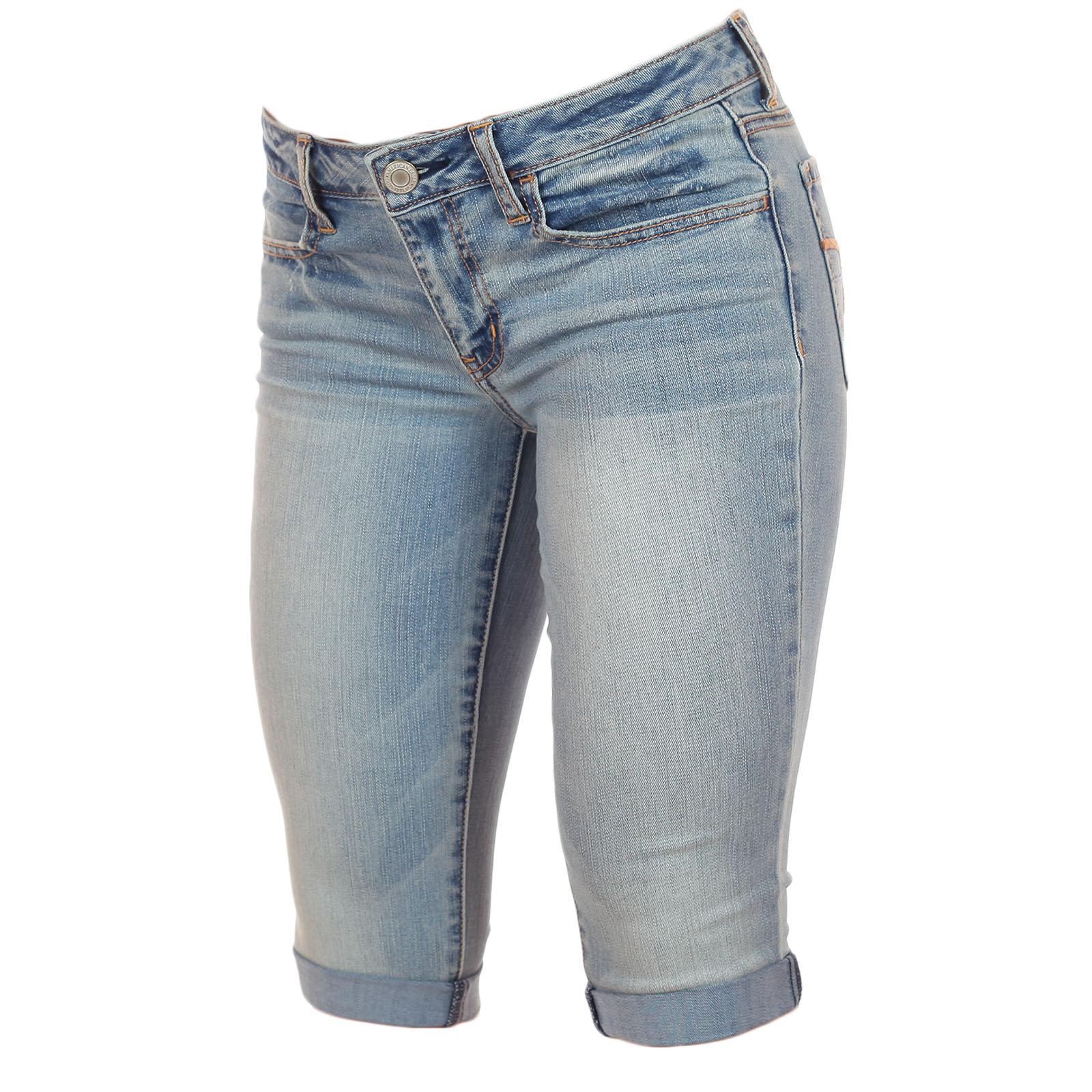 Купить топовые джинсовые бриджики от American Eagle®, будь неотразимой дерзкой и сексуальной этим летом!