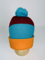 Трехцветная топовая шапка с помпоном