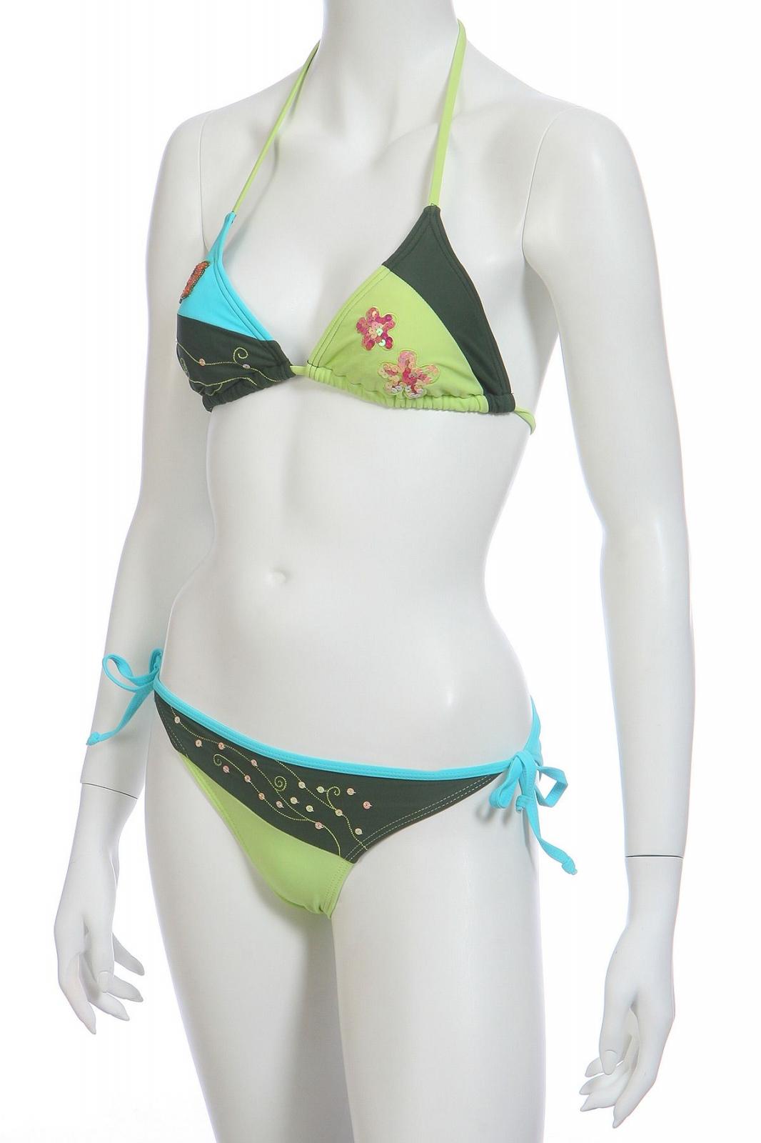 Трехцветный купальник - общий вид