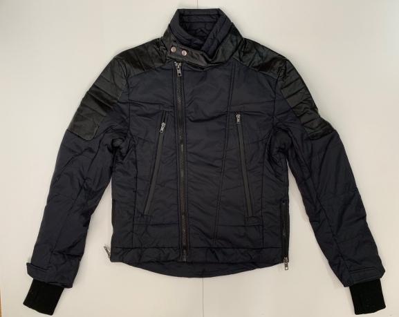 Трендовая черная куртка для мужчин