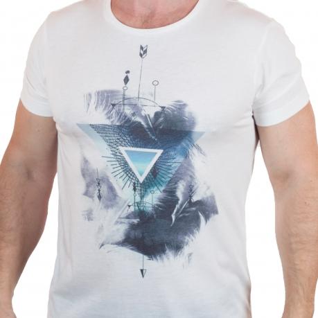 Трендовая футболка от бренда Max Youngmen