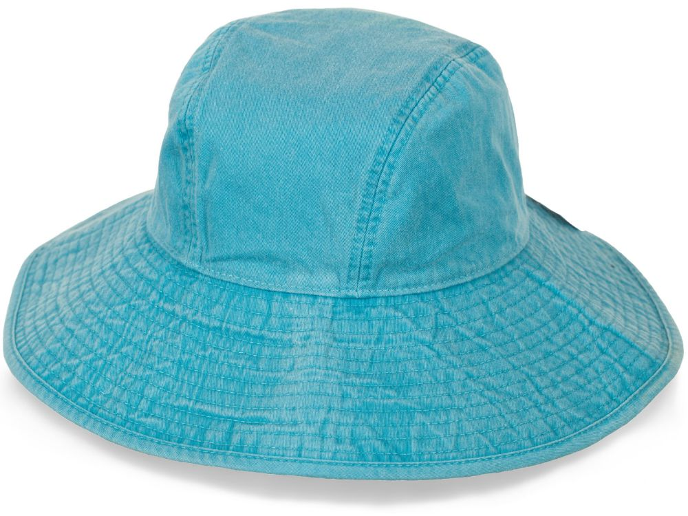 Трендовая шляпа для моря