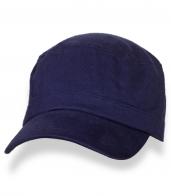 Трендовая темно-синяя кепка-немка
