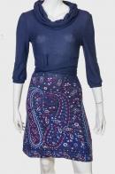 Трендовое приталенное платье цвета морской волны