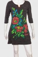 Трендовое женское платье с контрастным принтом