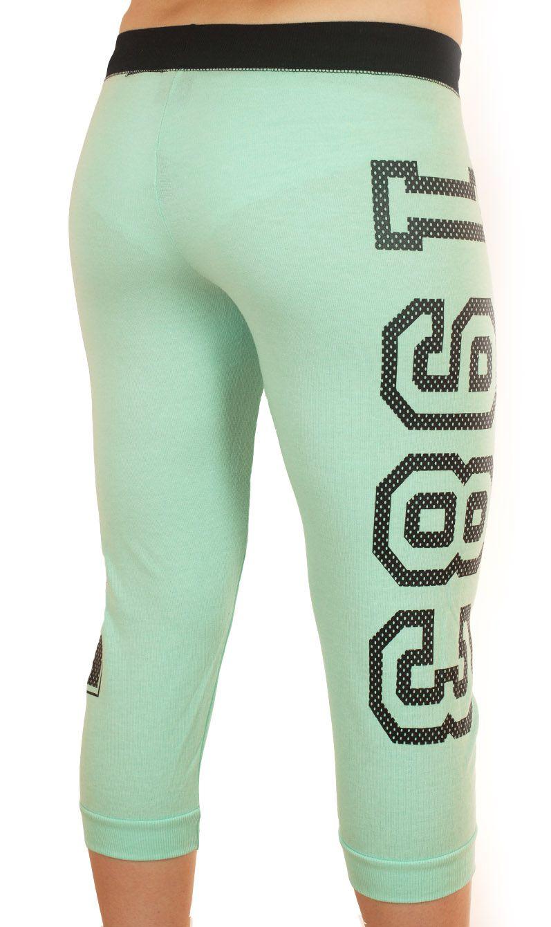 Трендовые брючки капри Coco Limon для фитнеса - вид сзади
