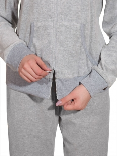 Трендовый домашний костюм от итальянского бренда She - застежка молния