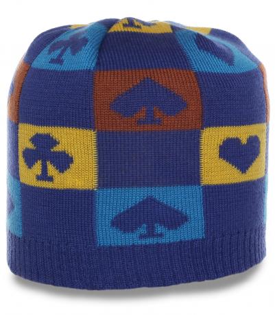 Трикотажная мужская шапка с колоритным узором изысканная и актуальная в этом сезоне