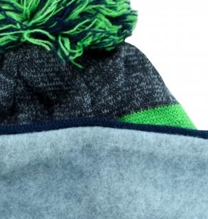 Трикотажная утепленная спортивная шапка с орлом
