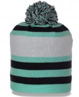 Трикотажная зимняя женская шапка в полоску с бубоном утепленная флисом современная модель