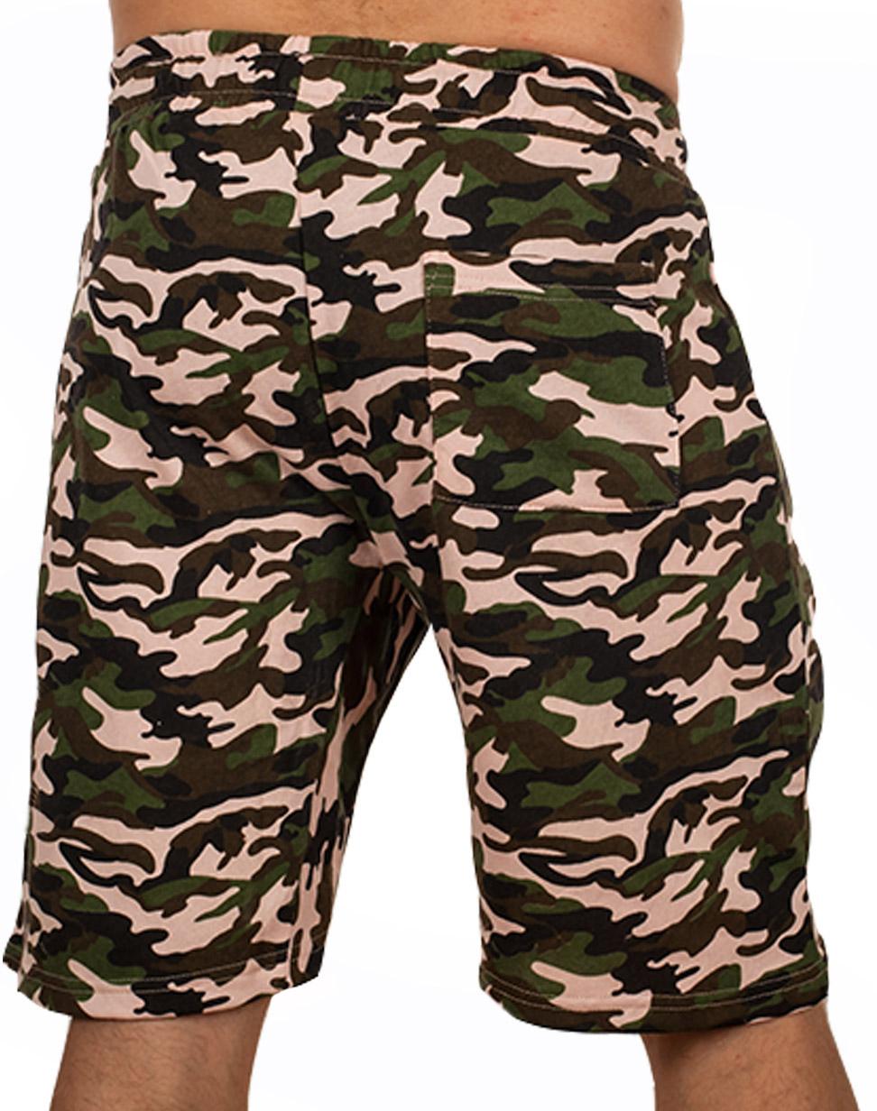 Трикотажные мужские шорты в камуфляже Woodland купить онлайн