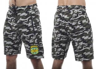Трикотажные шорты удлиненного фасона с карманами и нашивкой ВКС - купить онлайн