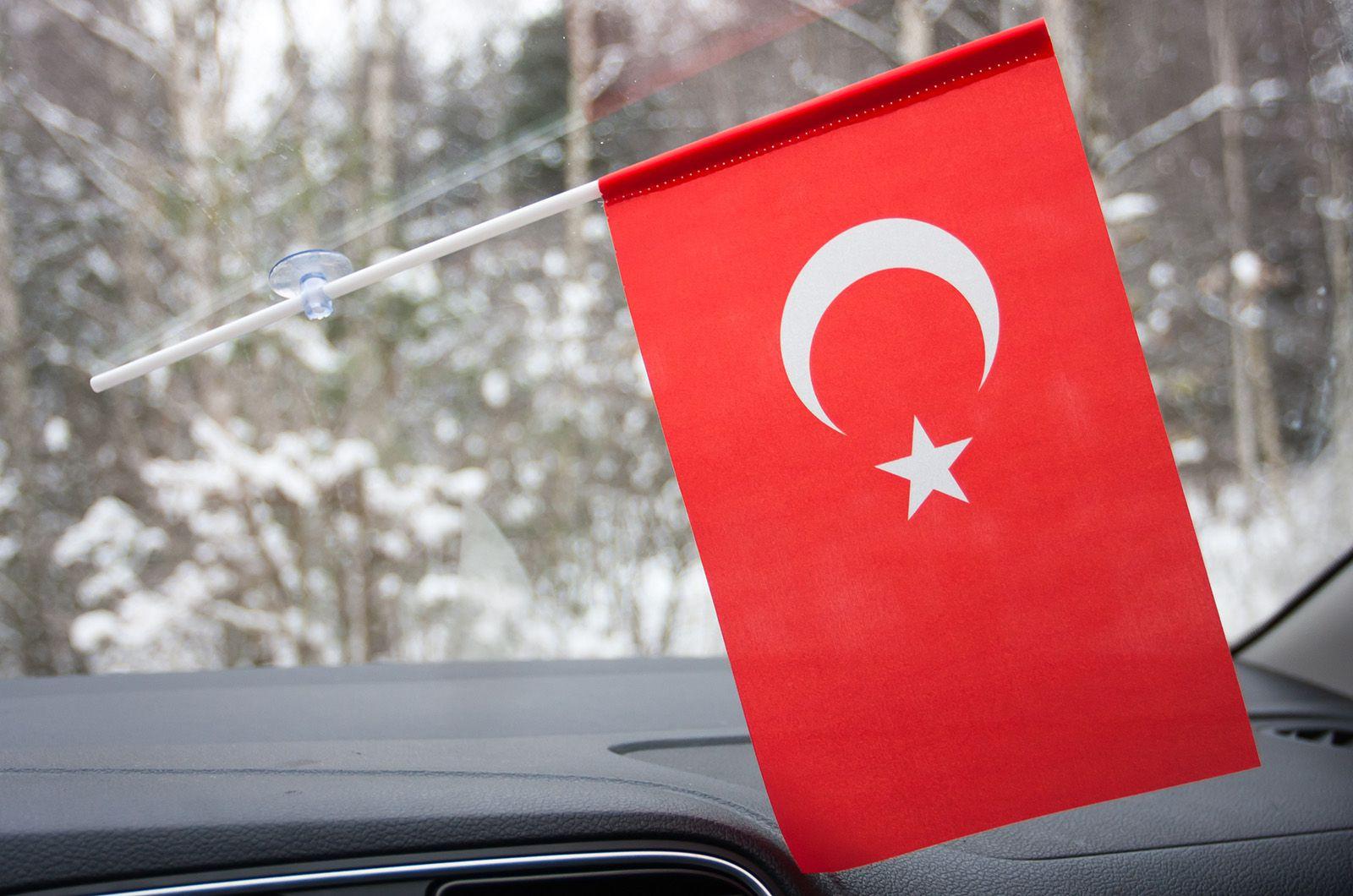 Турецкий флажок в машину