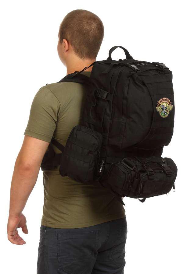 Туристический черный рюкзак с нашивкой Ни пуха, Ни пера! - заказать в розницу