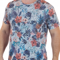 Брендовая летняя футболка Traditional Quality Trademark.