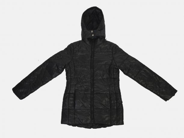 Удлиненная черная женская куртка
