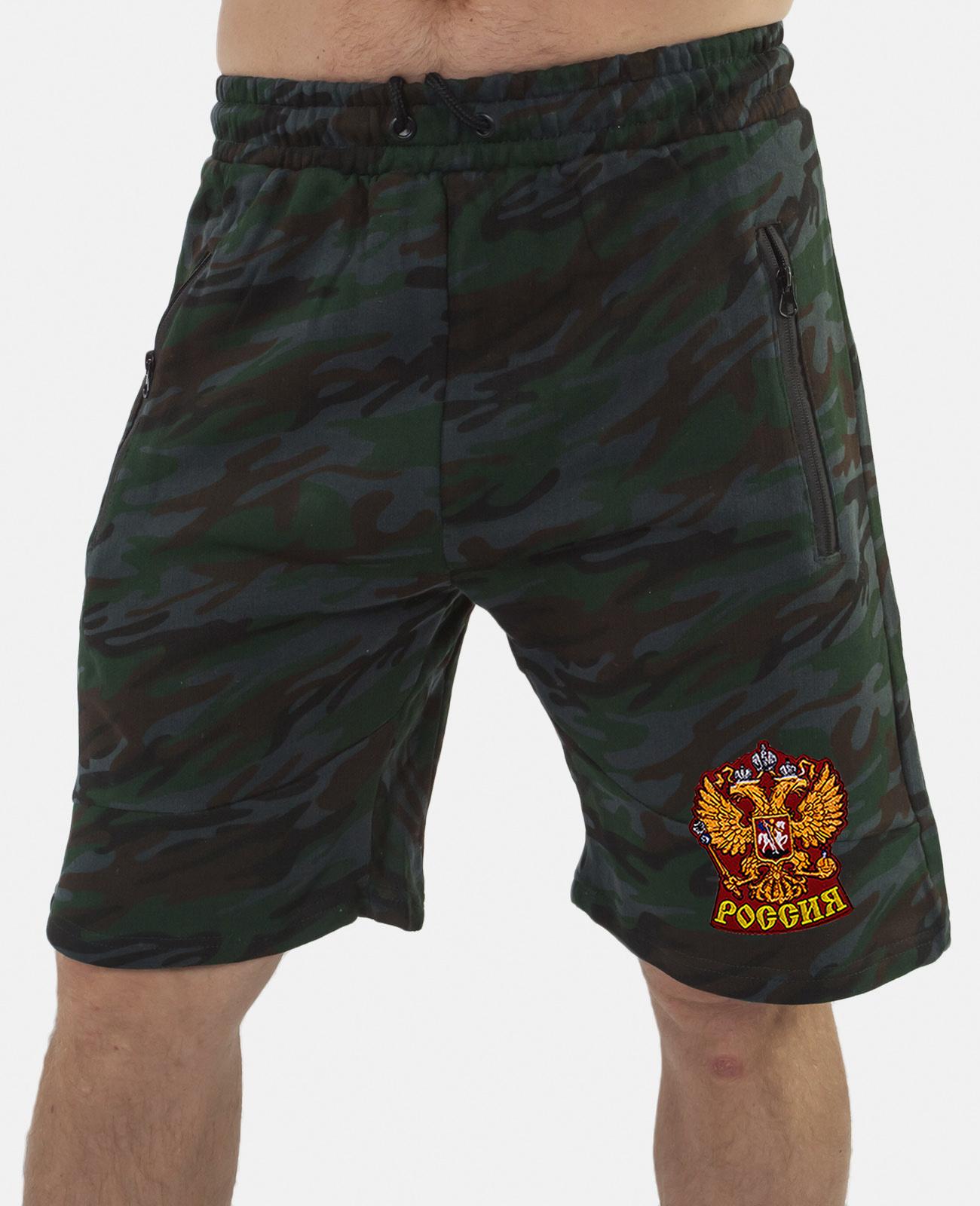 Купить удлиненные мужские шорты с нашивкой Россия оптом или в розницу