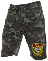Удлиненные мужские шорты.