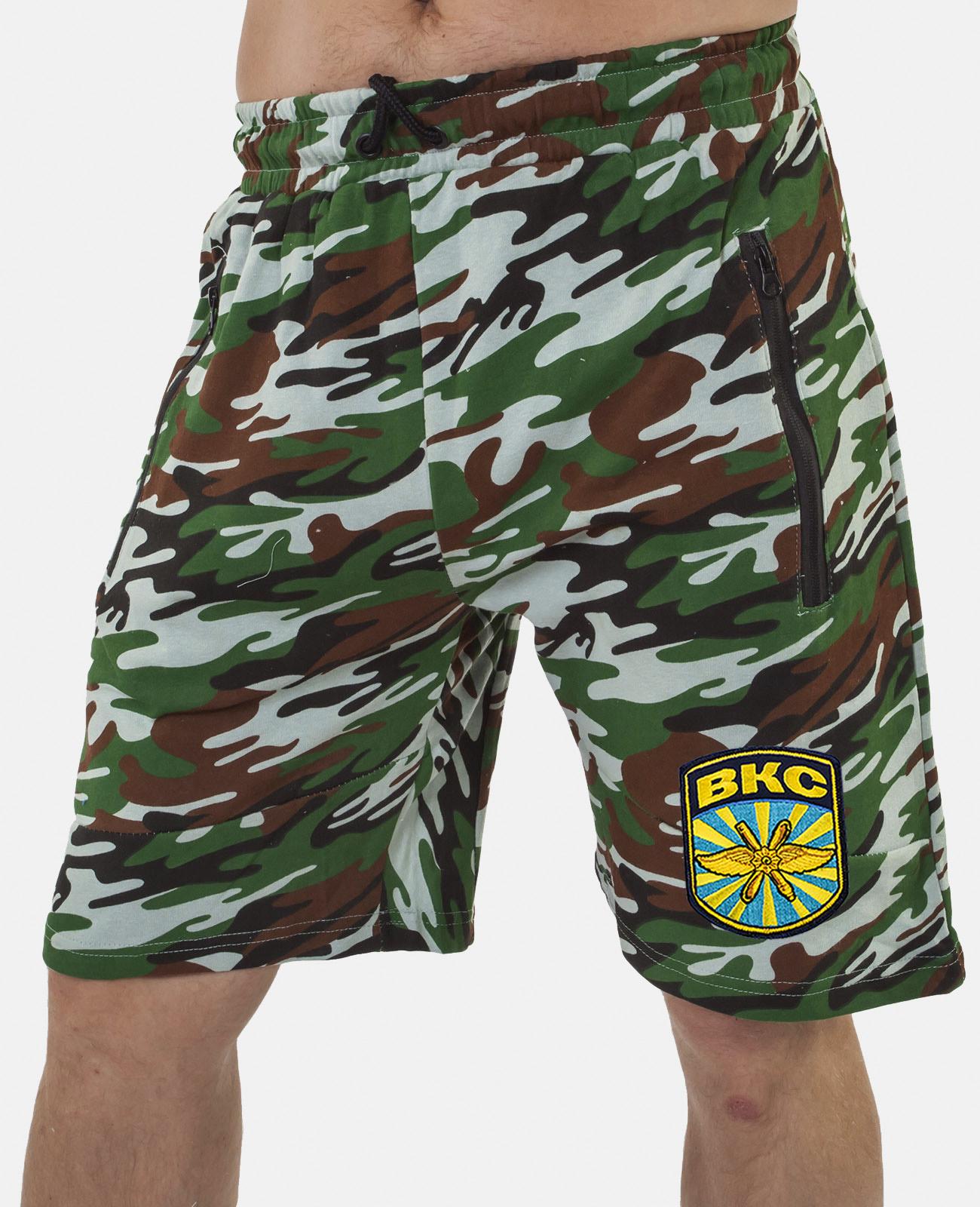Купить удлиненные надежные шорты с нашивкой ВКС в подарок мужчине