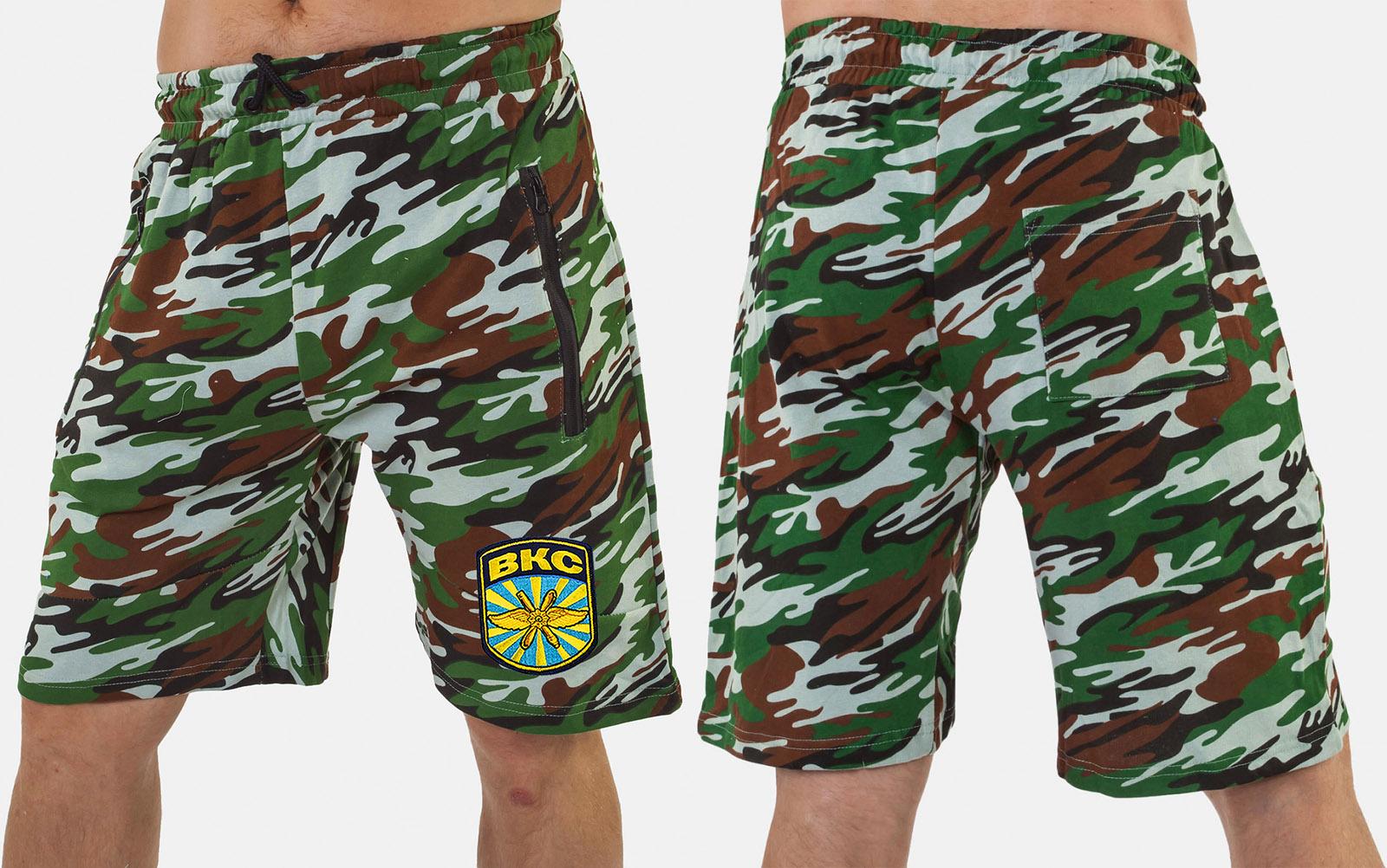 Удлиненные надежные шорты с нашивкой ВКС - заказать в розницу