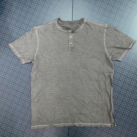 Удобная крутая футболка