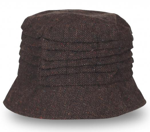 Удобная шляпа темного коричневого цвета