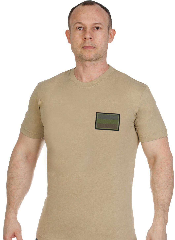 Купить удобную трикотажную футболку с вышитым полевым шевроном России с доставкой онлайн