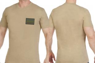Удобная трикотажная футболка с вышитым полевым шевроном России - купить онлайн