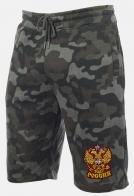 Удобные шорты удлиненного фасона с нашивкой герб России