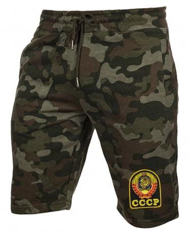 Удобные шорты удлиненного кроя с нашивкой СССР