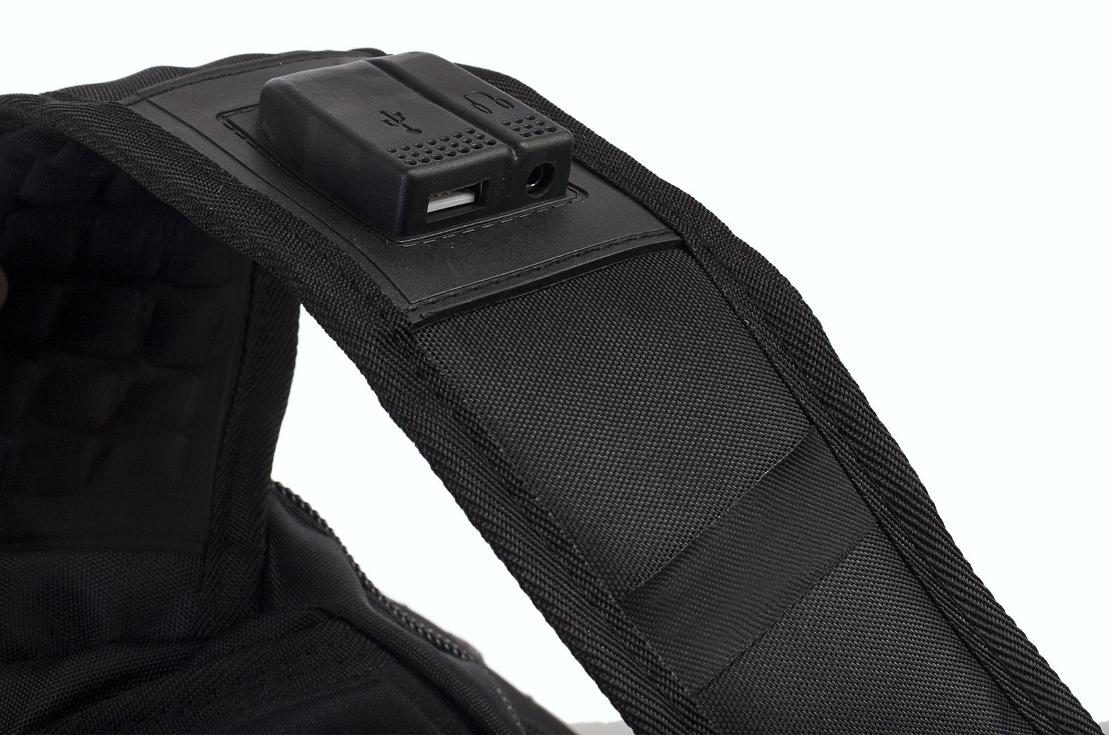 Удобный черный рюкзак с нашивкой Бога Велеса купить оптом