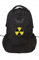 Удобный черный рюкзак с нашивкой Радиация