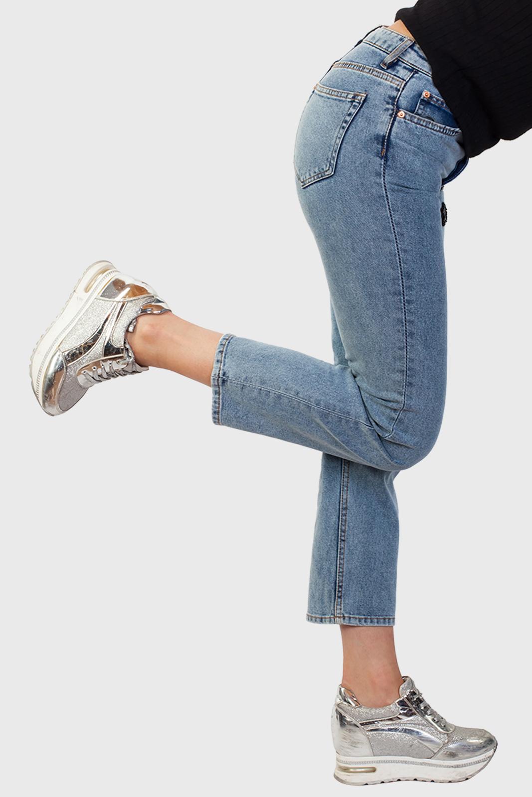 Укороченные женские джинсы с удобной доставкой