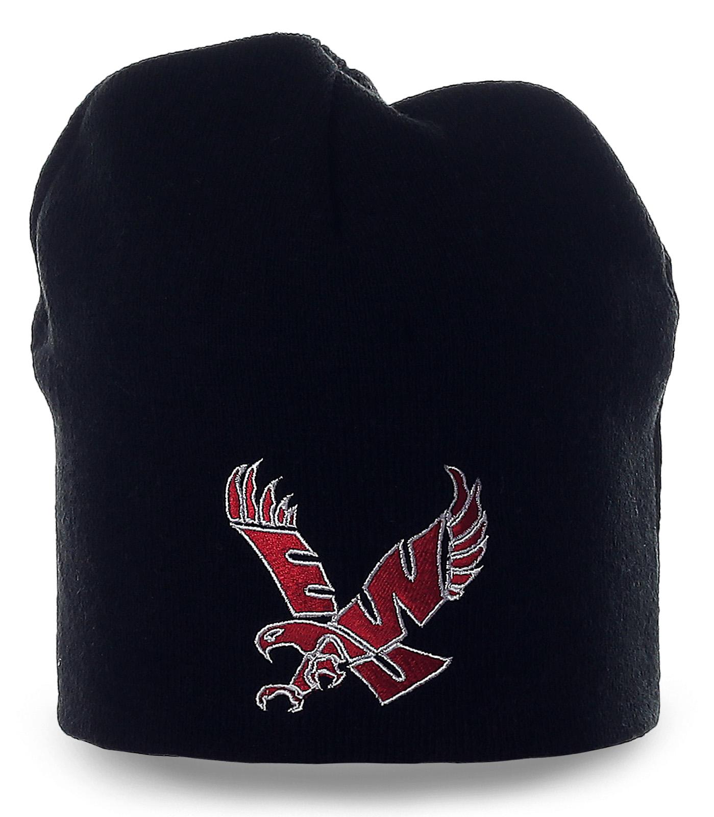 Уникальная черная шапка с броской вышивкой для мужчин со вкусом