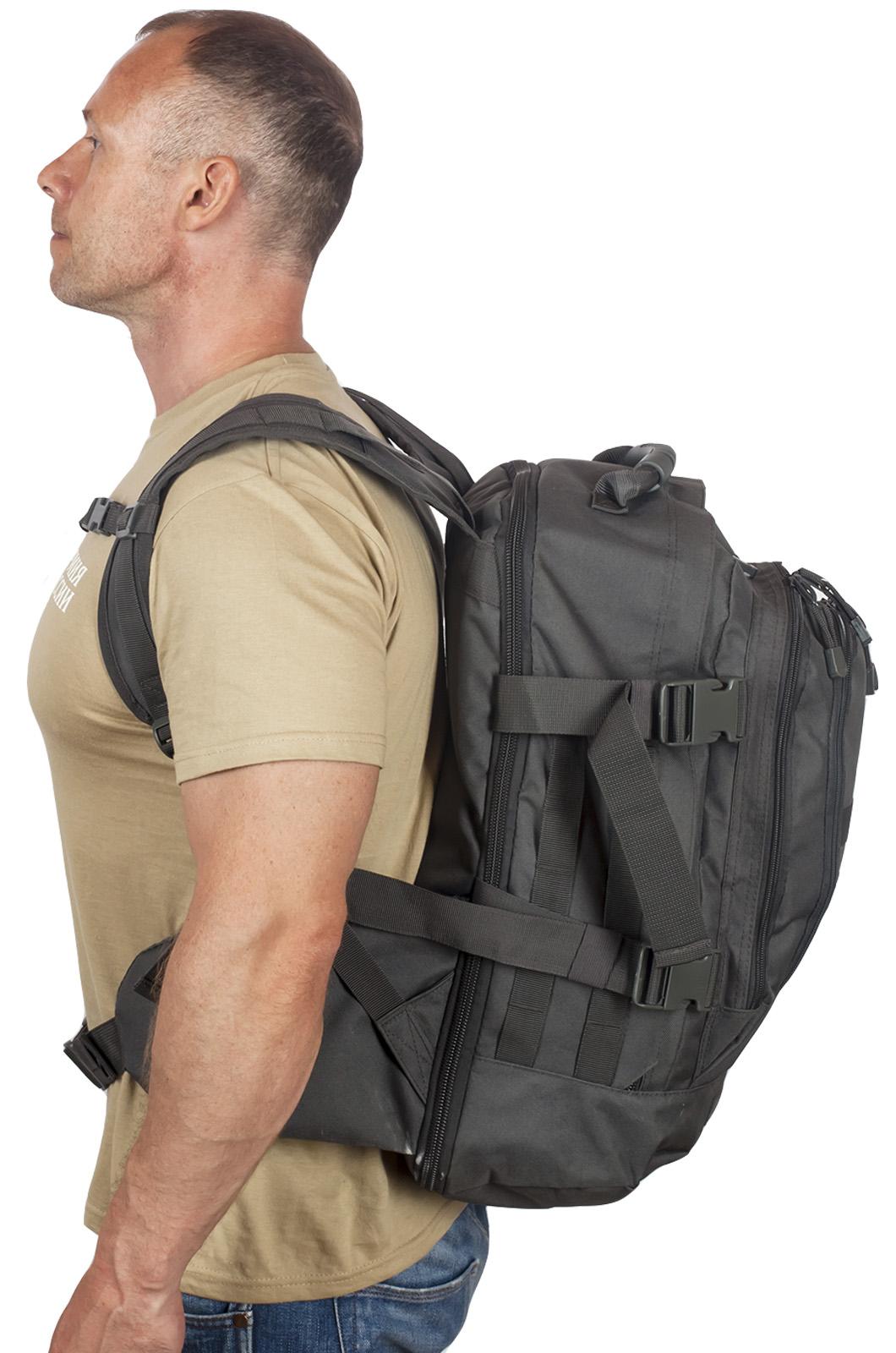 Универсальный черный рюкзак с нашивкой Погранслужбы - купить с доставкой