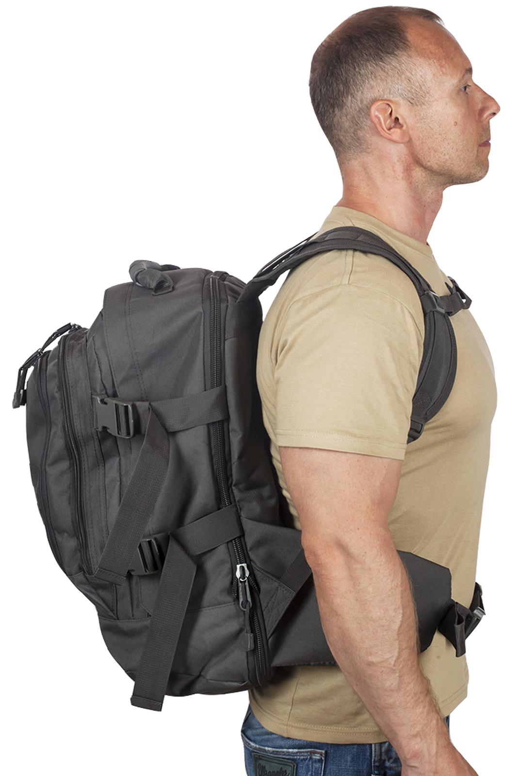 Универсальный черный рюкзак с нашивкой Погранслужбы - заказать с доставкой