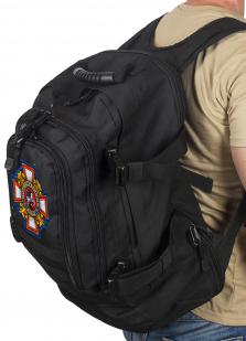 Универсальный черный рюкзак с нашивкой Потомственный Казак - заказать выгодно