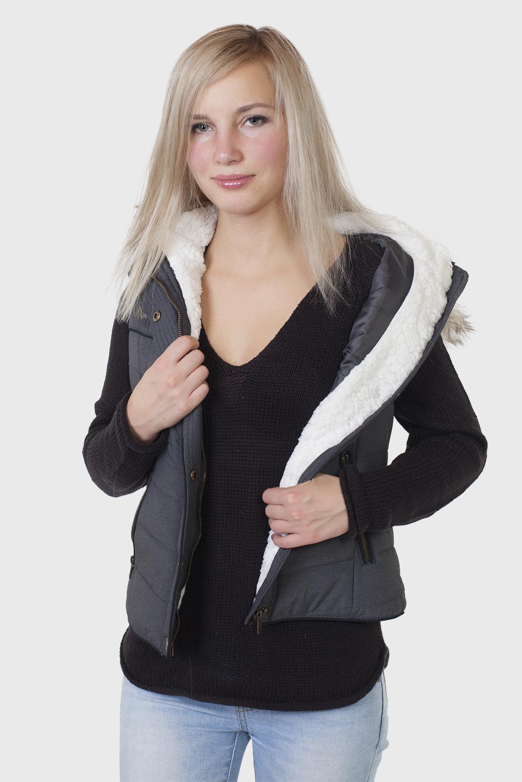 Утепленный женский жилет с капюшоном от Aeropostale (США). купить в Военпро
