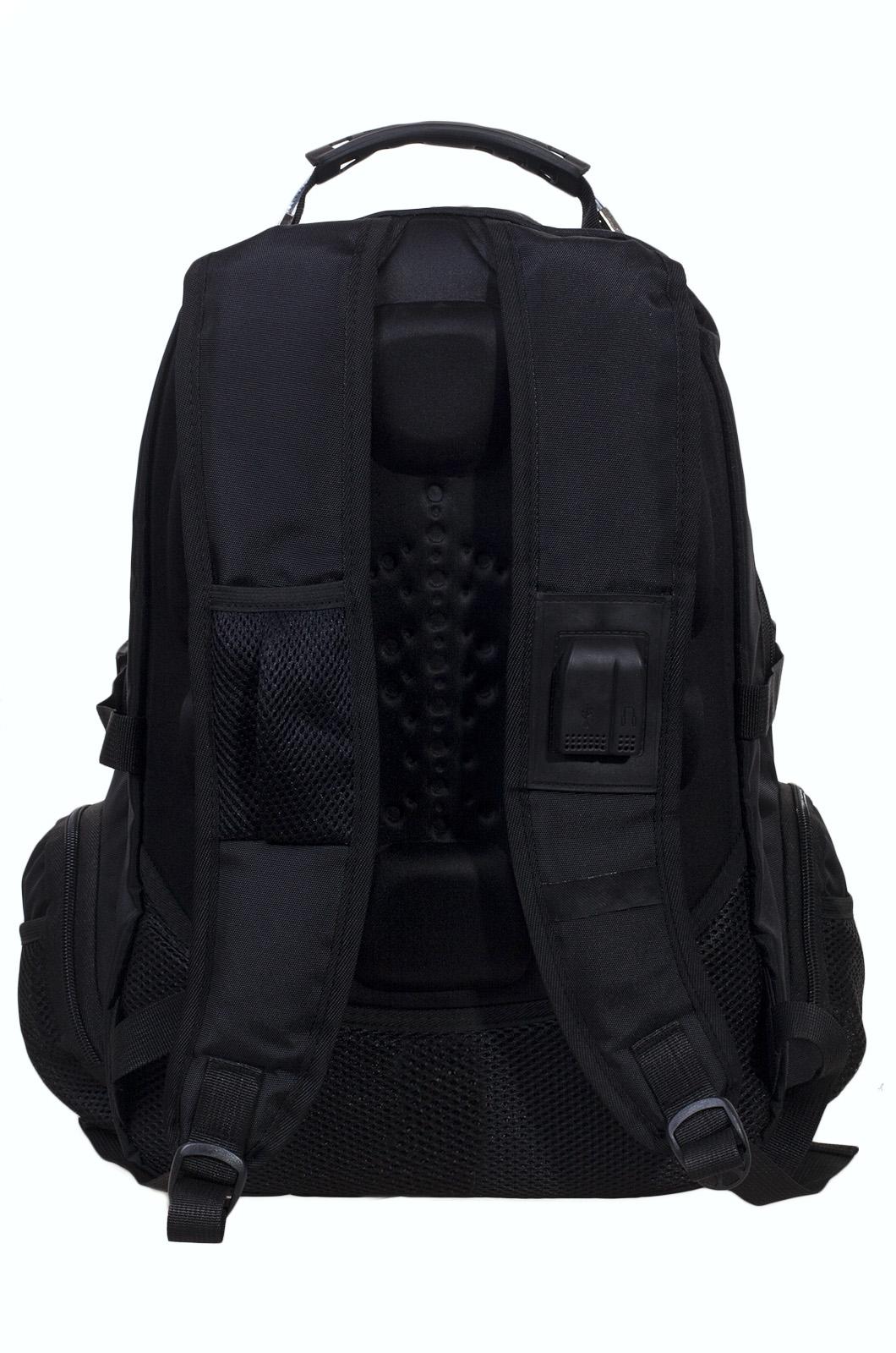 Вместительный черный рюкзак с эмблемой Охотничьего спецназа купить оптом