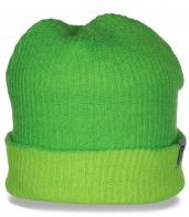 Востребованная женская шапка с отворотом от бренда Neff