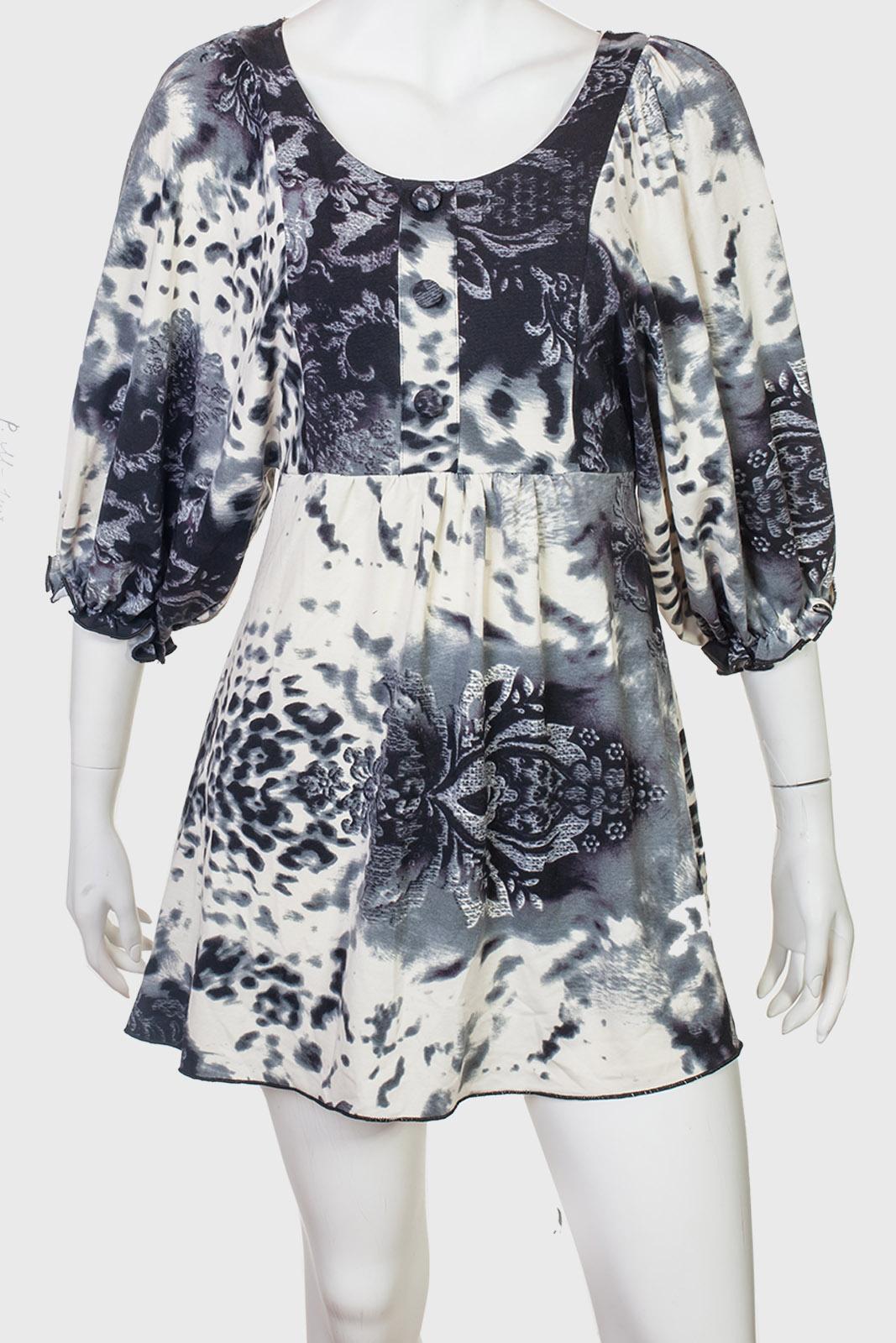 Воздушное элегантное платье с нежным принтом