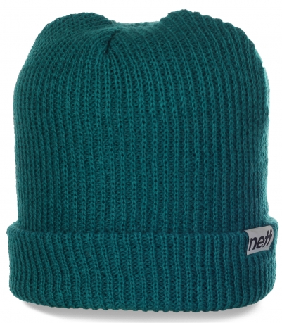 Всегда модная шапка Neff для стильных девушек. Модель, в которой 100% тепло