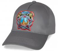 Вы все еще ищете интересный подарок для ветеранов? Тогда отменная кепка с авторским принтом Ордена Победы то что надо!  Закажите поскорей и дарите!