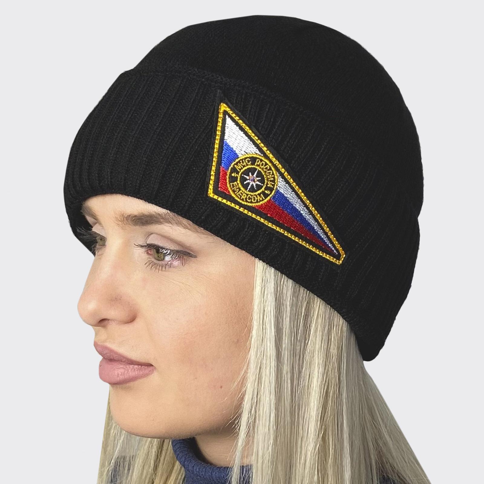 Вязанная шапка с нашивкой МЧС России