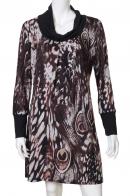 Выразительное бордовое платье с трендовым принтом