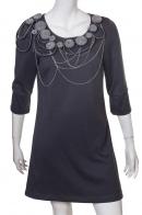 Выразительное синее платье-туника с крутым декором