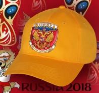 Яркая патриотическая бейсболка с гербом России