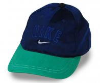 Простая, но стильная кепка с контрастным козырьком. Подходит под спортивный, свободный, молодежный и кэжуал стиль. Ты не обязан никому ничего доказывать!