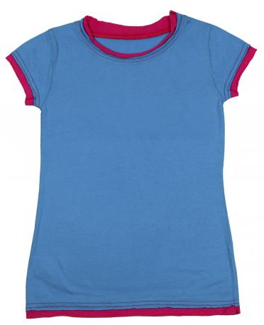 Яркая детская футболка